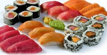 Sushi - Chirashi, Gunkan, Maki, Nigiris, Sashimi, Uramaki, Uramaki Deluxe
